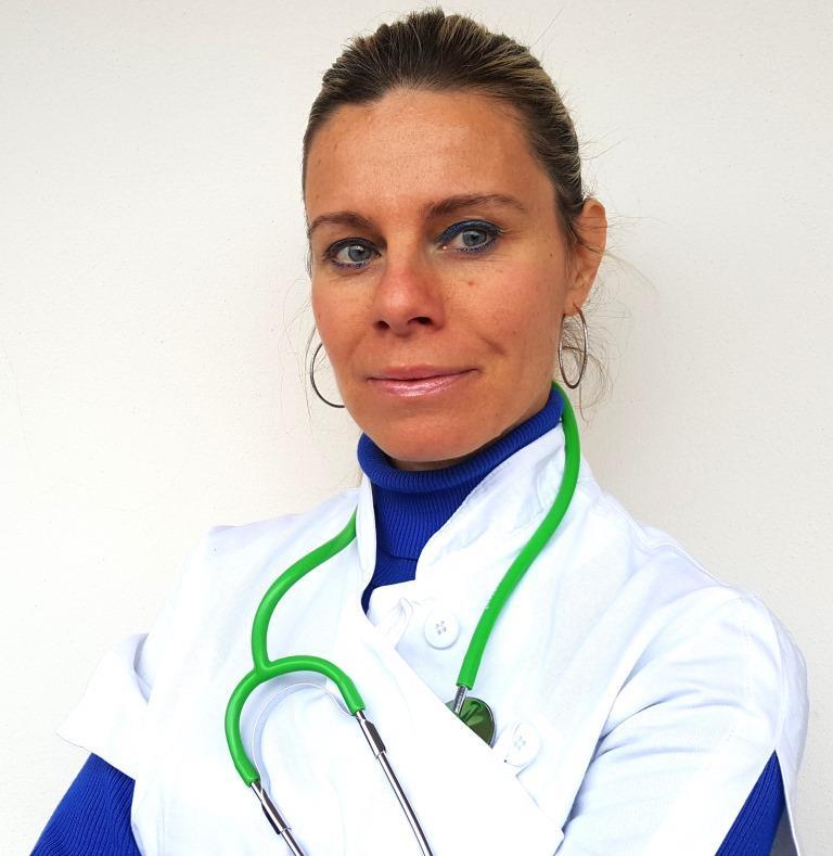 Dott.ssa Roberta Antonutti - Medico Chirurgo. Specialista in Chirurgia Generale, Medicina Regolatoria e Fitoterapia Perfezionamento in Medicina Estetica. Udine, Gorizia, Trieste