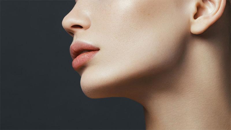 Come rimodellare la pelle del collo